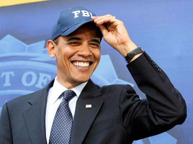 obama wearing a baseball hat