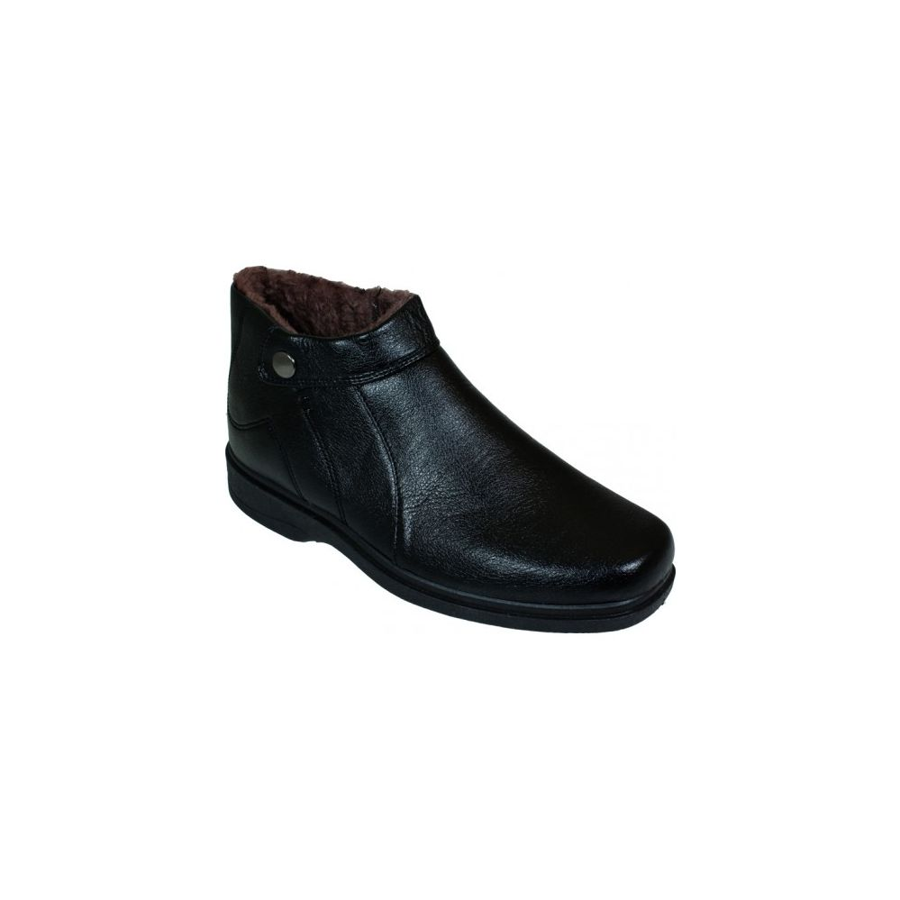 20 units of mens winter casual dress shoe at