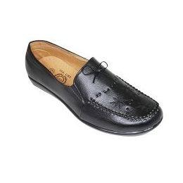 18 Units of Ladies Flat Dress Shoe - Women's Flats