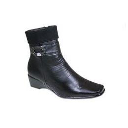 18 Units of Ladies Comfort Designer Boots - Women's Boots