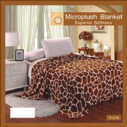 12 Units of Giraffe Animal Print Microplush Blanket In Queen - Micro Plush Blankets