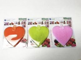 60 Units of Silicone Wash Brush Heart shaped/color assorted - Loofahs & Scrubbers