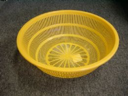 48 Units of COLANDER ROUND ASSORTED COLOR - Strainers & Funnels