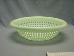 36 Units of Plastic Oval Strainer With Handle - Strainers & Funnels