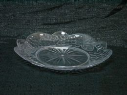 36 Units of CLEAR TRAY GRAPE ROUND PLATE - Serving Trays