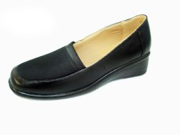18 Units of WOMENS MODERN SLIDE ON LOAFER SHOES - Women's Flats
