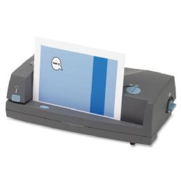 Gbc 3230st ThreE-Hole Punch And Stapler - Staples & Staplers