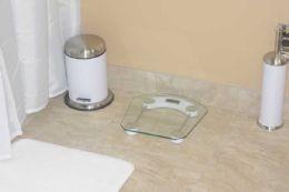 8 Units of Home Basics Glass Bathroom Scale - Bathroom Accessories