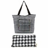 120 Units of SUPER COOL ZIP UPTOTE BAG. STARTS OUT THE SIZE OF A WALLET AND UNZIPS INTO A GORGEOUS TOTE BAG!