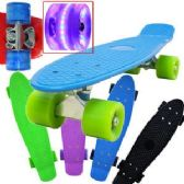 6 Units of SKATEBOARDS WITH LED WHEELS - Summer Toys