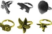 144 Units of Thirty six assorted rings including animals, shells crosses - Earrings