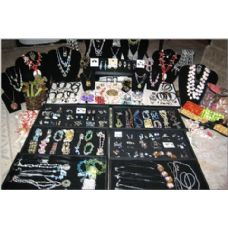 600 Units of Loose Jewelry Pallet - JEWLERY, HAIR & ACCESSORY PALLETS